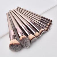 New Women's Fashion Brushes 1PC Wooden Foundation Cosmetic Eyebrow Eyeshadow Brush Makeup Brush Sets Tools  Pincel Maquiagem